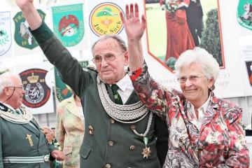 Seit 80 Jahren Mitglied: Hans Conrady mit Frau Luise. Foto: L. Hammer