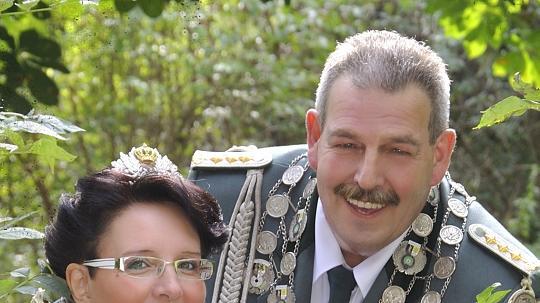 Das Dormagener Königspaar Angelika und Rolf Schlömer. FOTO: Freibeuter