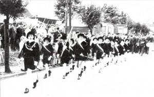 Foto: BSV Archiv - Schützenfest 1939, Festzug am Marktplatz mit Zugführer Hans Baum.