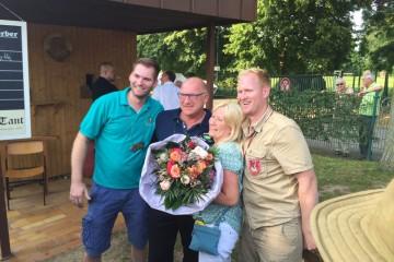 Rainer und Petra Schoo mit den Söhnen Severin und Dennis