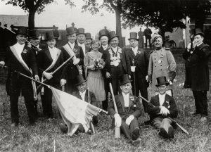 Der Grdzg. Bloomepott im Jahr 1929 mit dem damaligen Königspaar Jakob und Christine Lips